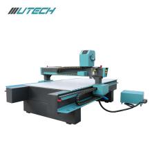 Máquina de grabado CNC de 3 ejes para publicidad.