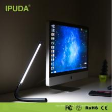 Fábrica de origen Lámpara de escritorio con batería incorporada de 2000 mah y cambio de color flexible para lectura y protección ocular