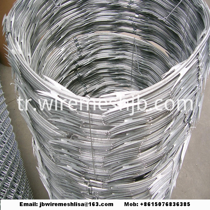 BTO-22 Hot Dipped Galvanized Concertina Razor Wire