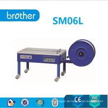 Halbautomatische Umreifungsmaschine mit niedriger Tischplatte