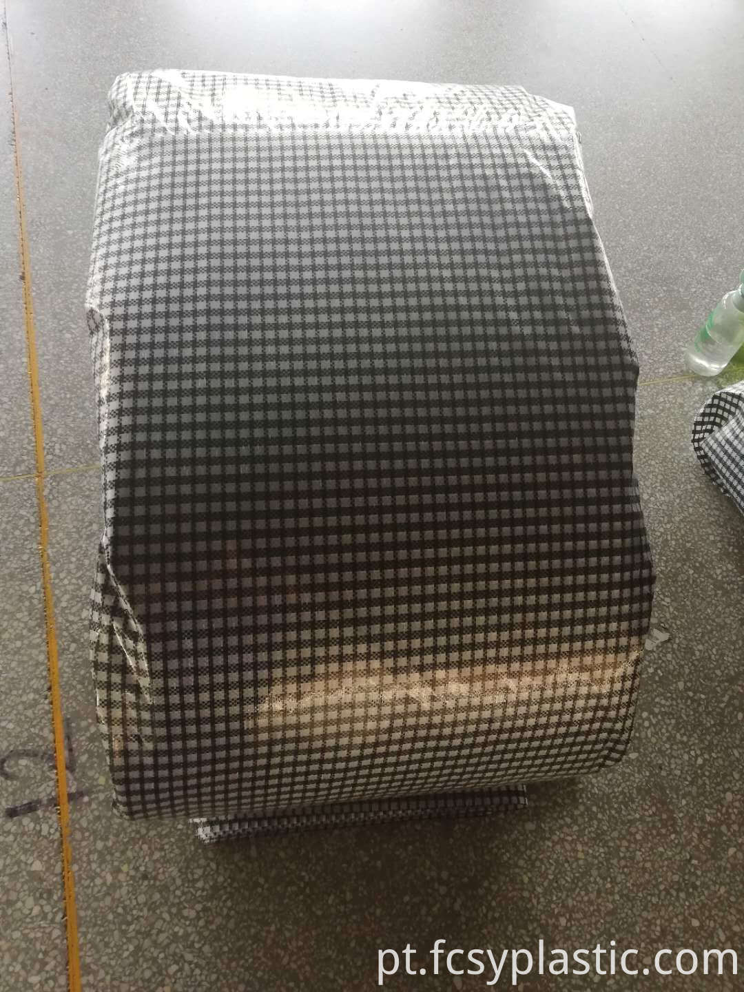black grid woven film packing