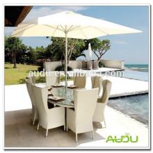 Audu Beach Umbrella, paraguas blanco de la playa dentro de la tabla