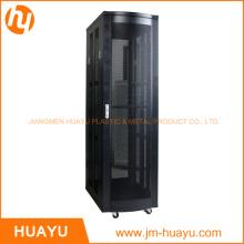 El rack de servidor de 19 pulgadas más nuevo y organiza la caja con el fabricante de la puerta trasera con ventilación doble