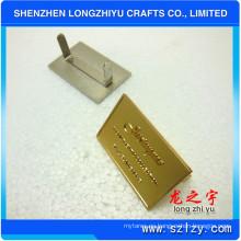 Rectangular placa de solapa de logotipo en relieve para bolsos (LZY-000202003)