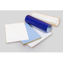 Película protectora para panel de plástico