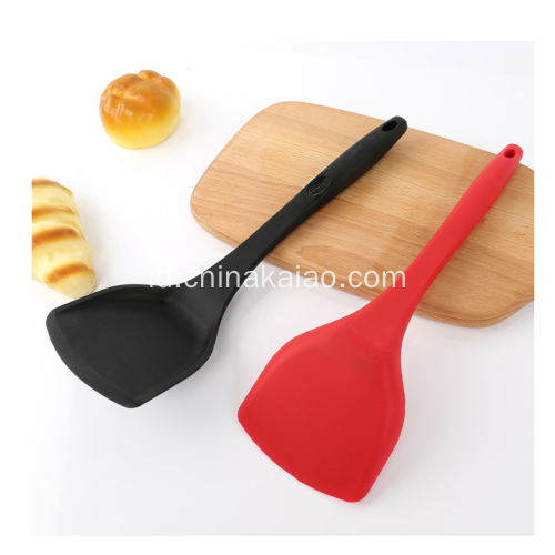 OEM Silicone Utensil Cookware Nylon Core Turner dengan Handle Panjang
