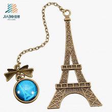 Marcador do metal da torre Eiffel da carcaça da liga do presente da promoção com pendente