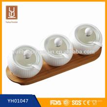 3 отделения Простые керамические банки с крышками и ложкой