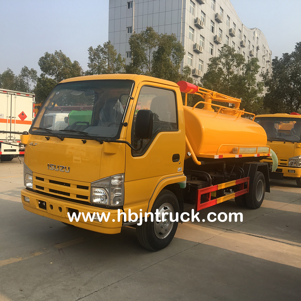 Isuzu Fecal Suction Truck