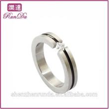 Simple anillos de diamantes de acero inoxidable para una sola señora