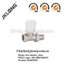 Vanne de radiateur en laiton avec vanne thermostatique plaquée nickel