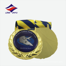 Shiny gold wholesale metal medal with ribbon