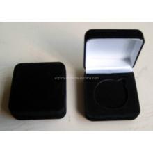 Caja de terciopelo negro