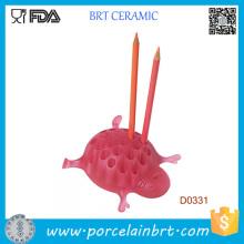 Titulaire de stylo décoratif de table en céramique tortue rose