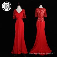 Mujeres hechas a mano del diseño moderno que casan el vestido de fiesta de cristal