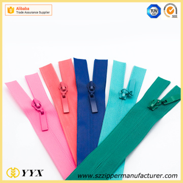 Cutting Waterproof Zipper dengan Matt Surface