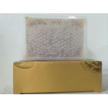Сырой пакет, расчесанный мед