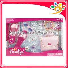La decoración de la muchacha juega, la belleza de la manera fija los juguetes