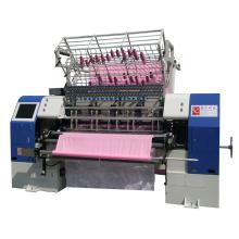 Edredão do computador que faz a máquina, maquinaria estofando do vestuário de matéria têxtil, máquina da produção das edredões de retalhos