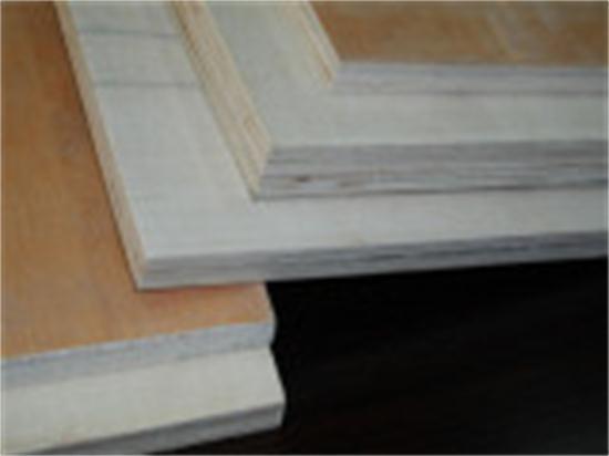 Okoume-Bintangor-Commercial-Plywood-for-Furniture-1220-2440mm-