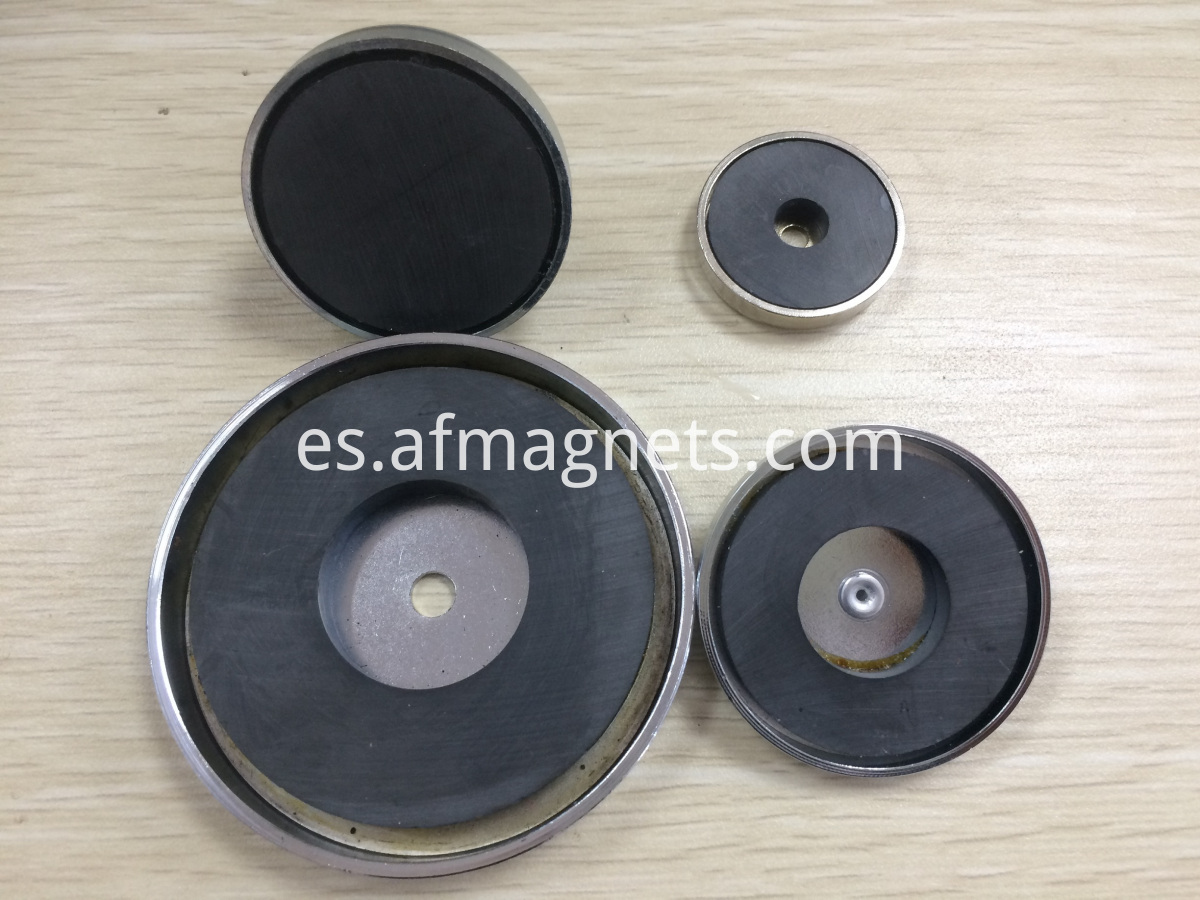 Ceramic Ferrite Round Base Magnets