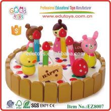 Jouet de gâteau d'anniversaire en bois