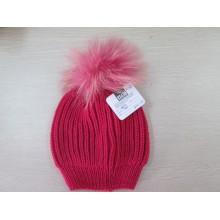 Senhoras de malha chapéu com bola de pêlo de guaxinim