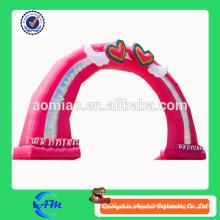 Arco cor-de-rosa inflável do coração do arco inflável do casamento para a venda