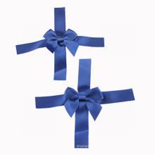 Arco de cinta de satén azul