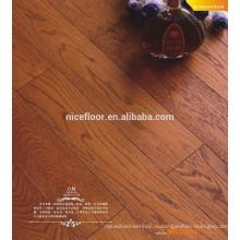 Полы из матированного слоя с деревянными настилами для спальни