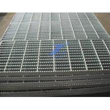 Grades serrilhadas galvanizadas para construção (fábrica)
