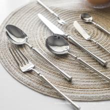 New Silver Cutlery Luxury 304 Stainless Steel Dinnerware Set Mirror Polishing Tableware Set Dinner Knife Dessert Fork Spoon