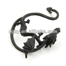 Pendiente plateado negro del oído del dragón de la vendimia
