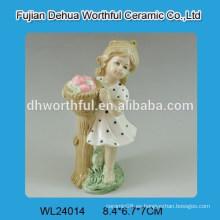 Hermosa forma de niña de la decoración de la boda de cerámica