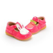 Red Girl Baby Schuhe Kaninchen Karotte T Strap Schuh