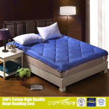 Chinese factory wholesale anti-static velvet cushion mattress topper