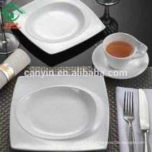 La plus nouvelle mode en vrac forme carrée en céramique plats blancs plats