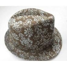 Модная мужская шляпа