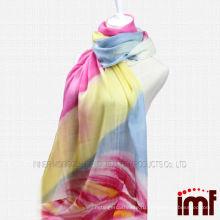 Радужный цветной шарф