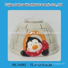 Recipientes cerâmicos artesanais com tampas na forma do pinguim