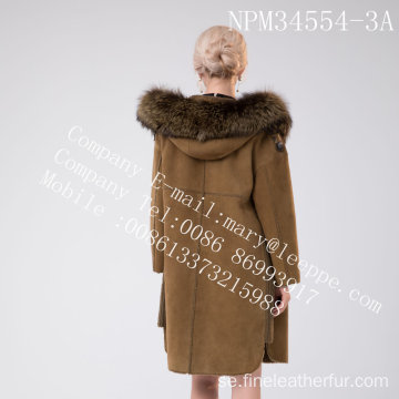 Kvinnor Medium Hooded Fur Overcoat In Winter