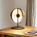 Grandes lampes de table grises