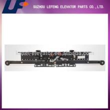 Hot-selling Selcom type center/telescopic elevator landing door hanger/elevator landing door device