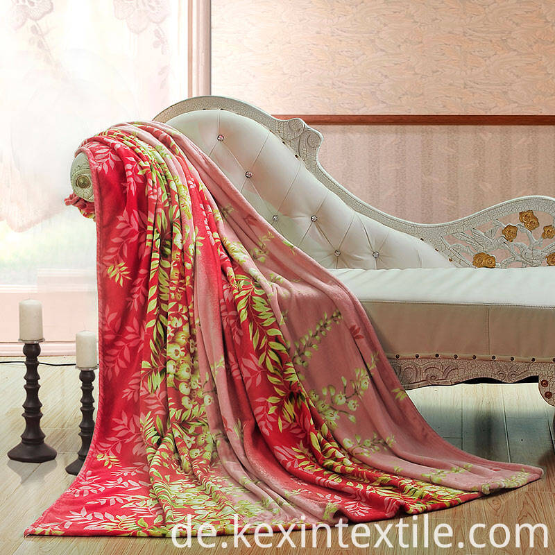 Polyester super soft rotary print flannel fleece blanket