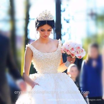 Elegante Alibaba China White Ball Gown Vestidos de casamento de renda Vestido de noiva vestidos de novia com pérolas pesadas LWB09