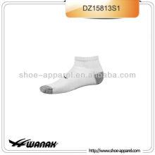 desempenho tornozelo-comprimento mens meias esportivas por atacado