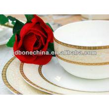 Nuevo diseño en relieve 43% hueso ceniza magnífica cerámica platos vajilla