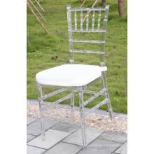 Cadeira de resina plástica Tiffany com almofada macia
