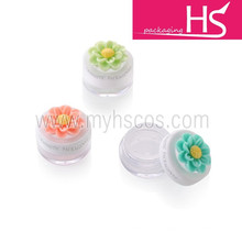cute flower loose powder jar with sifter