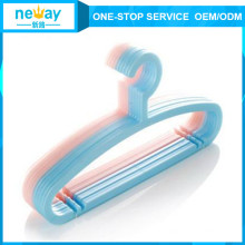 Flexible Arc Plastic Hanger